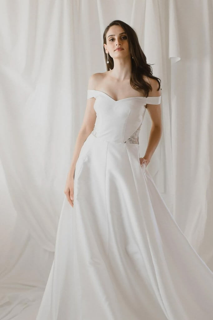 Sexy Wedding Dresses for Small-Chested Figures